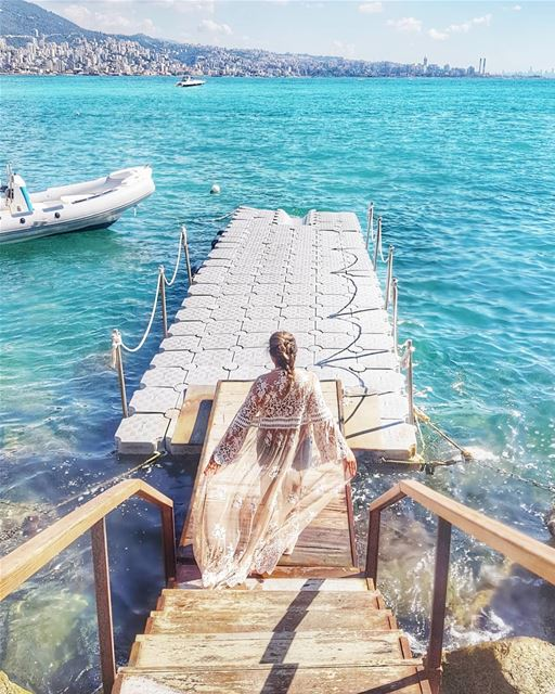 Wishing you all a lovely day from the beautiful bay of Jounieh... 💙... (Jounieh)